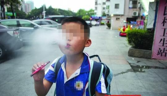 医生称小学生抽的电子烟内含兴奋剂 问题出在哪里?