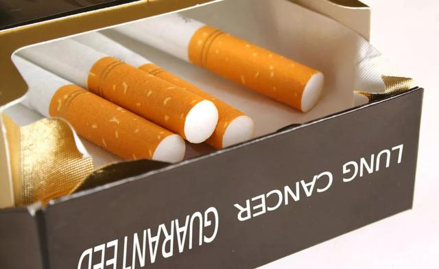 """国哥说案丨混了几包香烟,就""""进去了""""?"""